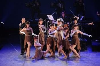 dancers9.JPG