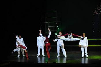 dancerssingers5.JPG