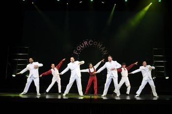 singersdancers3.JPG